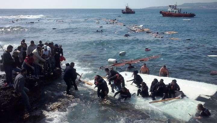 При крушении судна в Сицилийском проливе погибли 800 человек