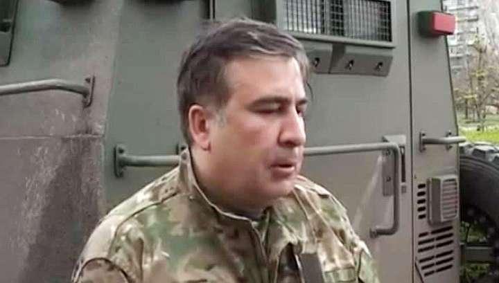 Дурачок Саакашвили выпил шампанского в Донбассе
