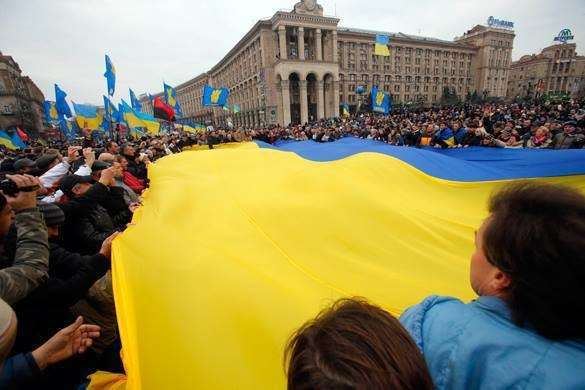 Францию и Германию обвиняют в предательстве интересов Украины. украина флаг