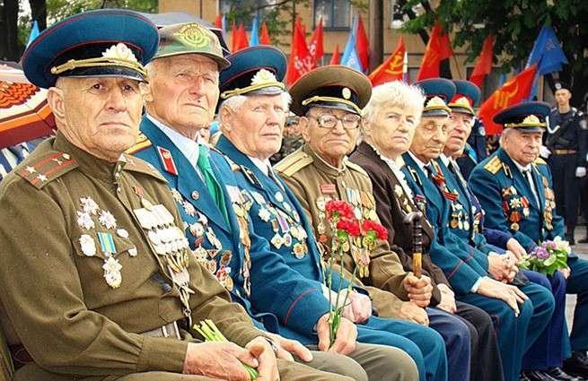 Киев официально отказался от проведения военного парада 9 Мая