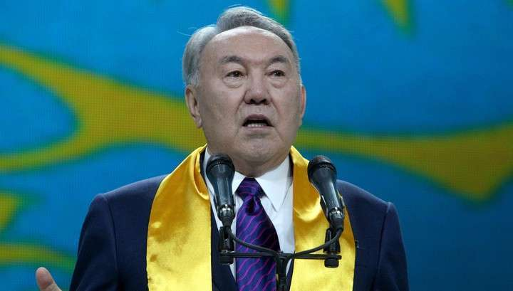 Нурсултан Назарбаев принял президентскую присягу