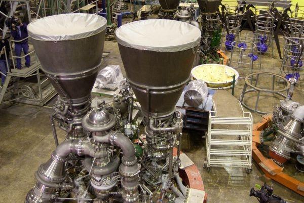 Крикливые янки не могут построить нормальных двигателей, поэтому покупают советские