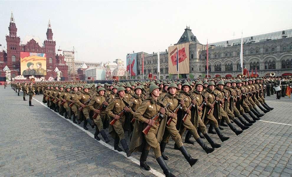 9 мая 1995 года - первый российский парад
