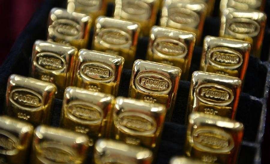 Пока Пиндостан лезет в долги, Москва копит золото