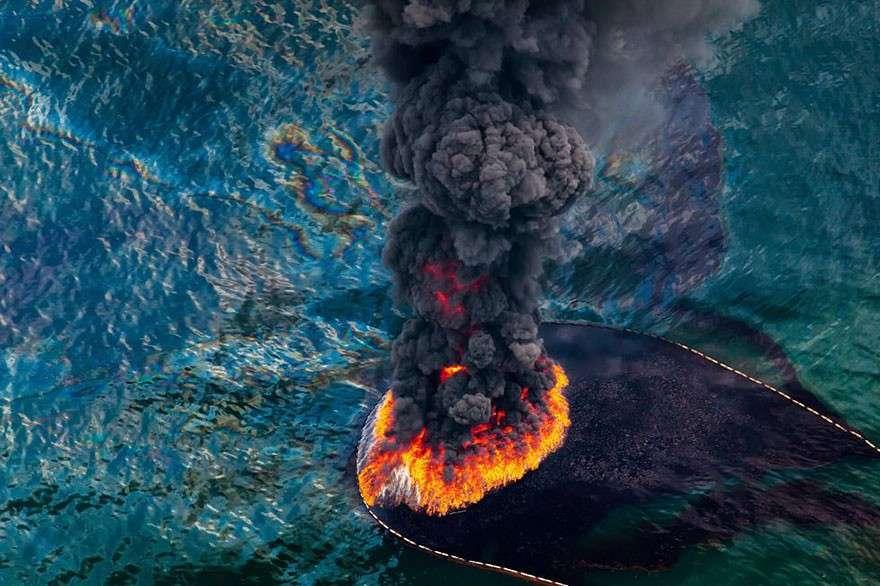 Пожар в месте разлива нефти мир, население, последствие, фотография