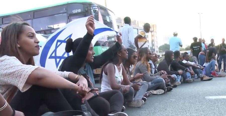 Демонстрация против полицейского произвола в центре Тель-Авива переросла в массовые беспорядки