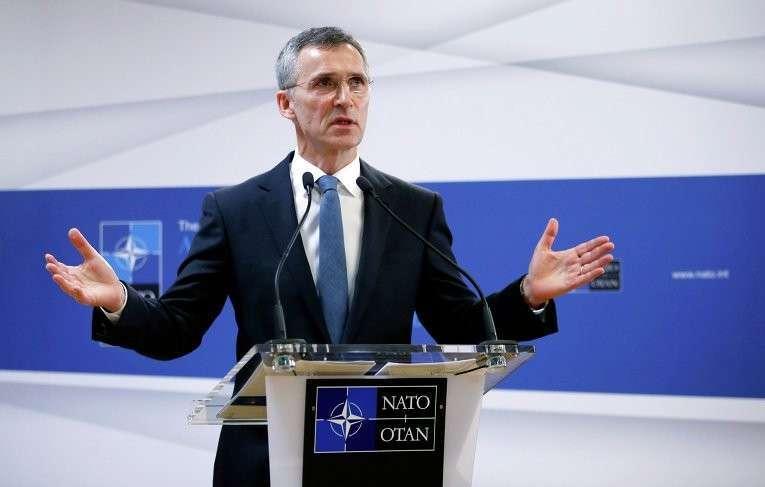 НАТО обвиняет РФ в помощи ополченцам в нарушение минских договоренностей