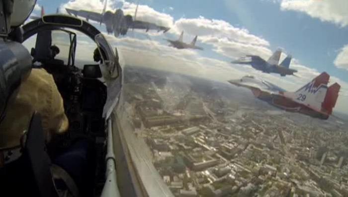 Москва содрогнулась от рёва двигателей