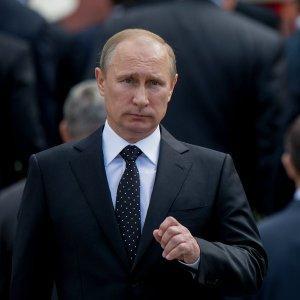 Владимир Путин освободил от должности порядка 20 генералов