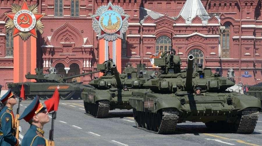 9 мая RT покажет всему миру Парады из 15 городов России