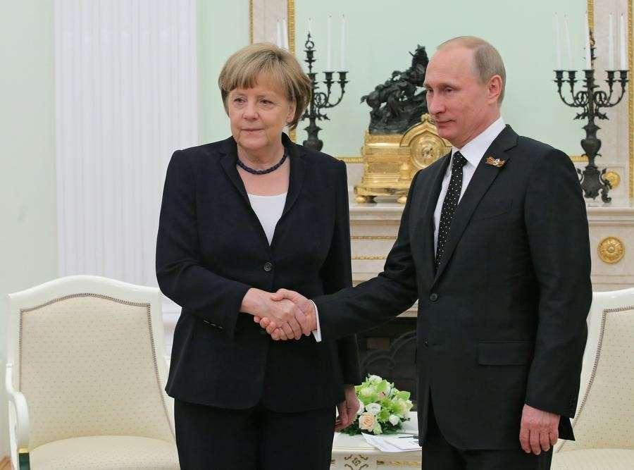 Владимир Путин и Ангела Меркель проводят переговоры в Москве