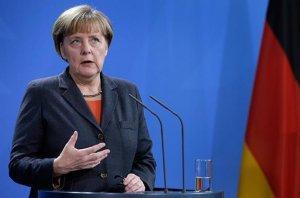 Посетив Вечный огонь в Москве, Меркель заявила о необходимости возврата Крыма