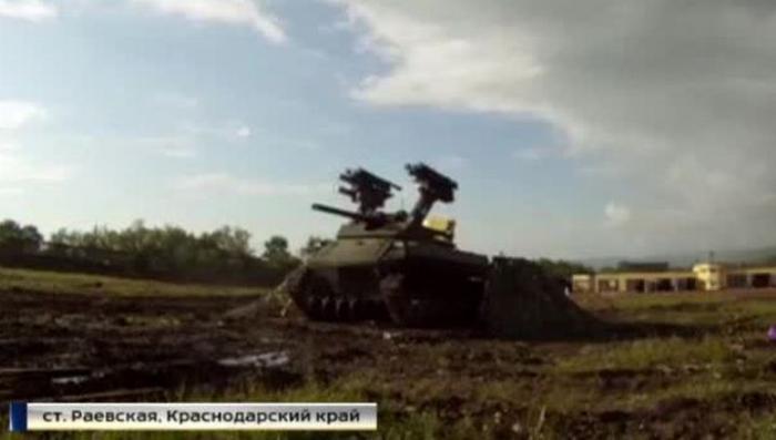 На полигоне под Новороссийском прошли испытания боевых роботов