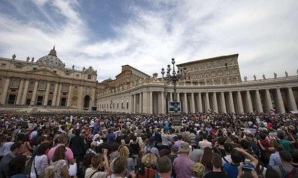 Французского посла-гея не желает принимать Ватикан. Ватикан