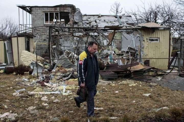 Зрада: Швейцария доставила в Донецк 300 тонн препаратов для очистки воды