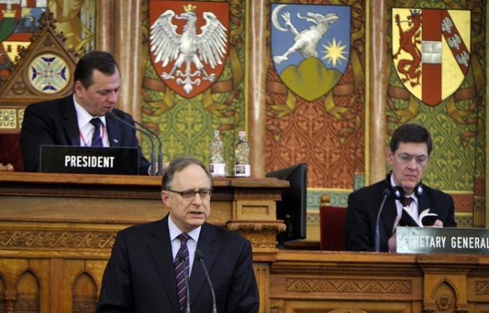 НАТО грозится ужесточить санкции против России