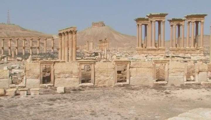 Сирийские военные эвакуировали мирных жителей при отступлении из Пальмиры