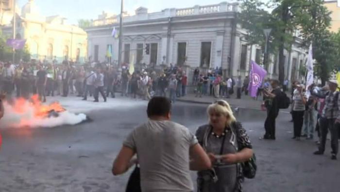 «Финансовый майдан» в Киеве пока ещё держится