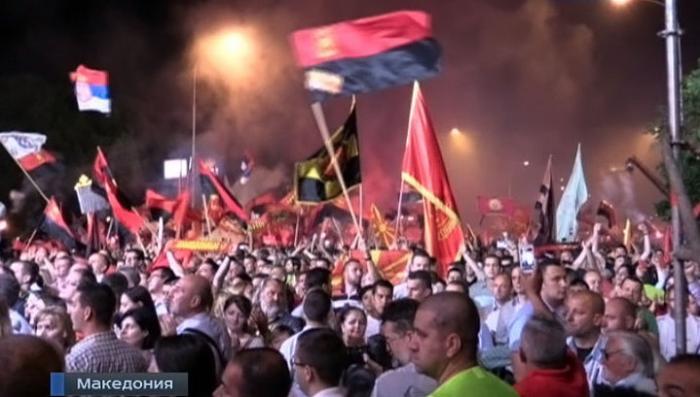 Старина Сорос не успокаивается, гад, и подбирает кадры для революции в Македонии