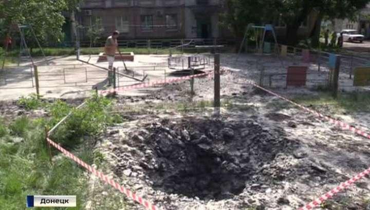 Еврейская укро-Хунта возобновила обстрелы Донецкой и Луганской областей
