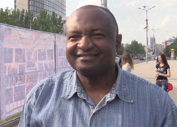 Африканец из Донецка не видит разницы между ИГИЛ и Киевом