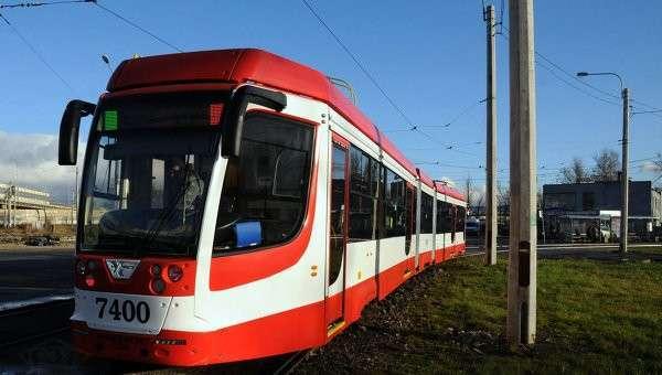 Трамвай в Петербурге. Архивное фото