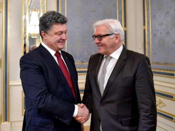 Штайнмайер отправился в Киев поддержать своих