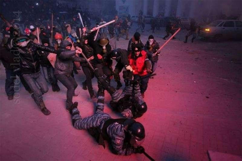 Наталья Поклонская назвала лиц, отдавших приказ нападать на «Беркут»