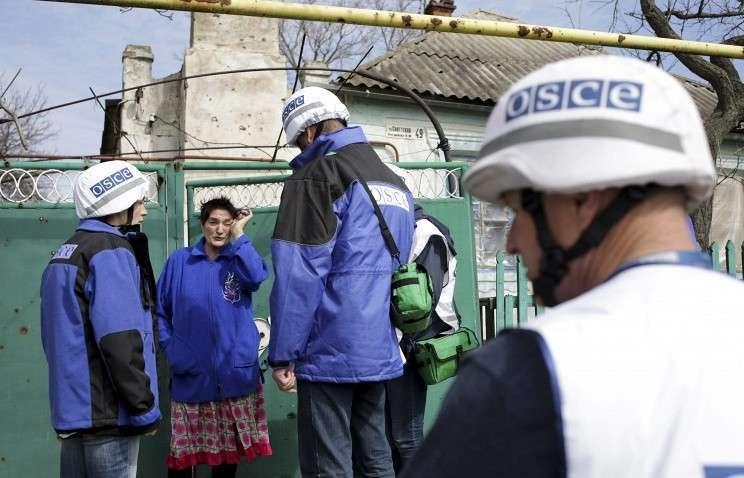 Представители ОБСЕ в украинском поселке Широкино
