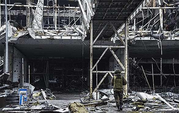 В районе Донецкого аэропорта опять идет бой. Донецкий аэропорт
