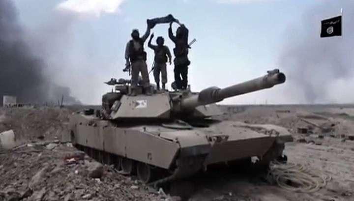 Амеры постоянно, но как бы случайно, передают военную технику террористам ИГИЛ