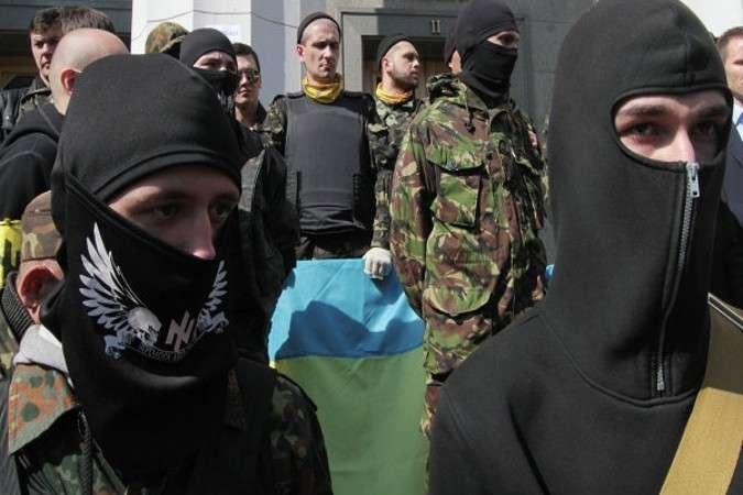 «Всем затянуть пояса!»: Во Львове «Правый сектор» взбунтовался против Порошенко