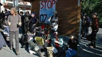Акция протеста против саммита G7 в Гармиш-Партенкирхене