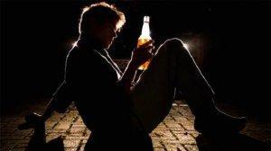 Зарплату алкоголиков должны получать их жёны
