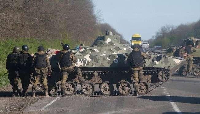 Украинские каратели перекрыли движение транспорта из ДНР в харьковском направлении