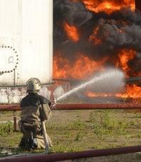 Благодатный огонь европейского майдана опять сошёл на нефтебазу