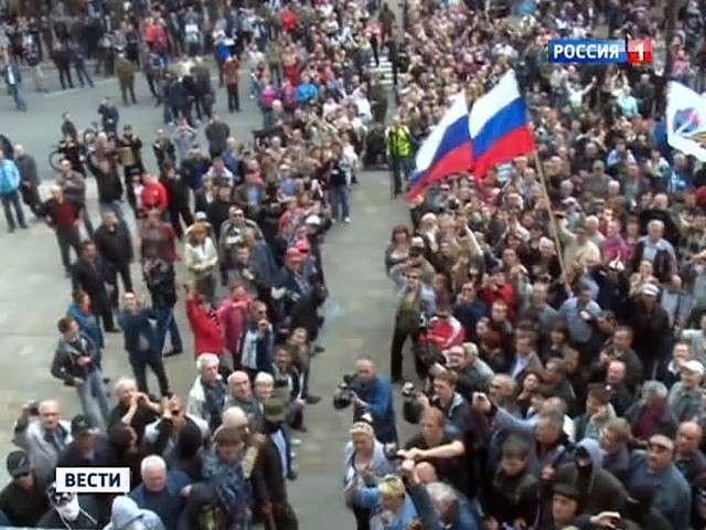 Луганск берёт обладминистрацию, а в Донецке снимают ставленников Киева