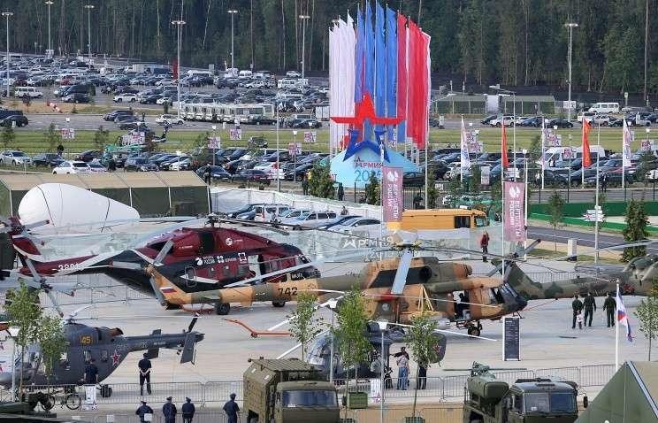 Делегации более 20 стран ведут переговоры с Рособоронэкспортом на форуме «Армия-2015»