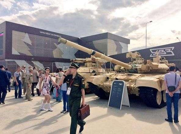 «Уралвагонзавод» представил новейшие разработки на форуме «Армия-2015»