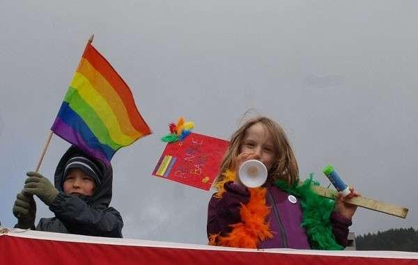 Больной Запад: в Норвегии прошёл детский гей-парад