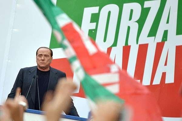 Сильвио Берлускони приедет в Москву мирить Россию и Запад