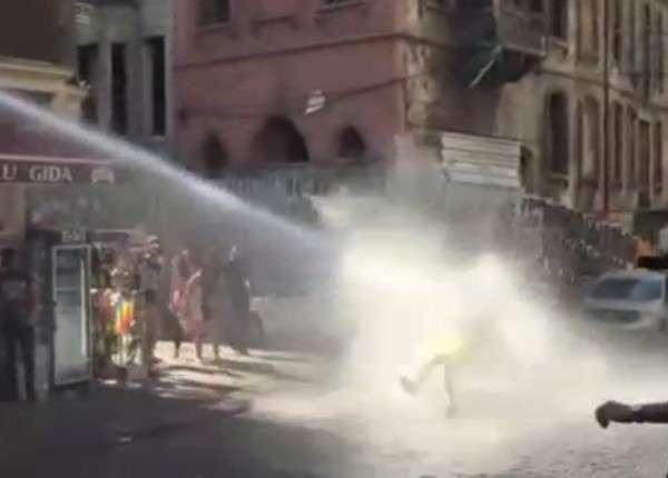 Полиция Стамбула разогнала парад педерастов водомётами и резиновыми пулями