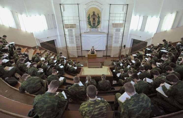 Число мест в военных ВУЗах может быть увеличено из-за беспрецедентного конкурса
