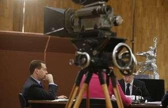 Премьер-министр РФ Дмитрий Медведев во время заседания правительственного Совета по развитию отечественной кинематографии
