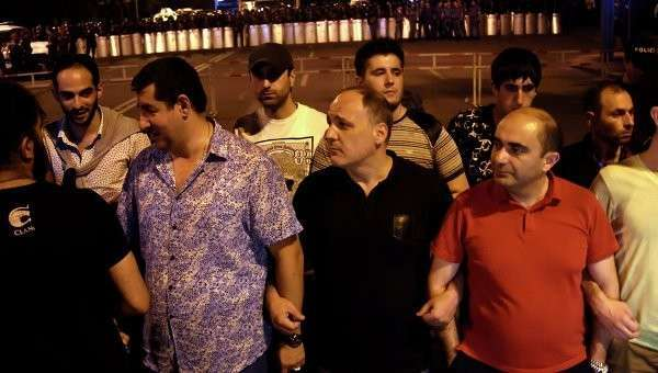 Акция протеста против повышения тарифов на услуги ЖКХ в Ереване. Архивное фото