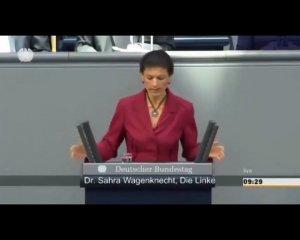 Сообразительная Сара Вагенкнехт не советует воевать с Россией