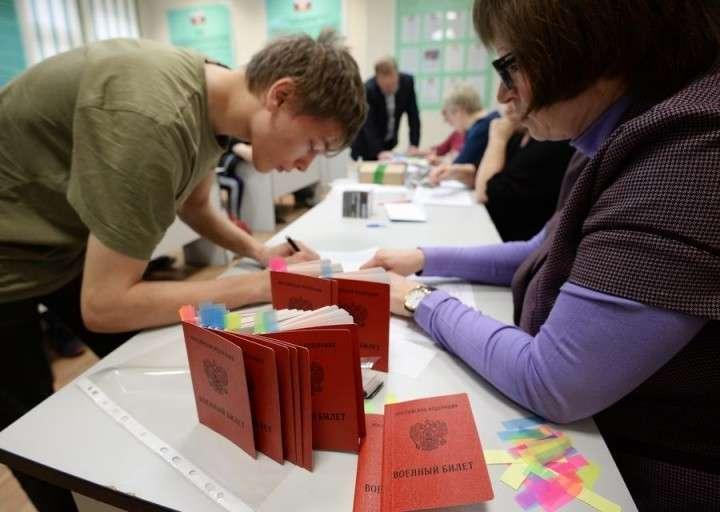 Социологи: Российская армия пользуется рекордно высоким уровнем поддержки у населения