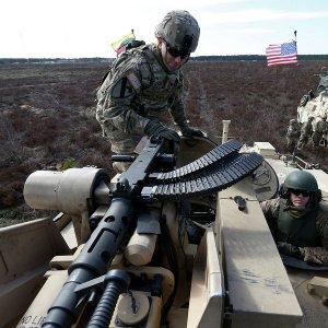 США ведут Польшу и Прибалтику в «греческую ловушку»