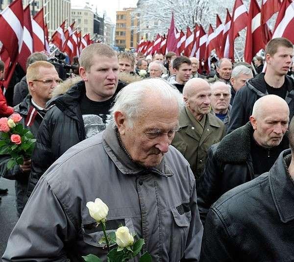 «Демократия» - это марши СС