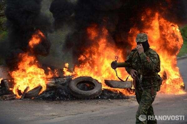 Праздничное утро в Славянске: бандиты пошли на штурм